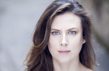 """<b>Isabella Aldovini sul set della serie """"L'amore strappato"""" diretta da Ricky Tognazzi e Simona Izzo</b>"""