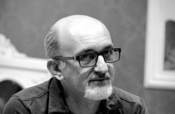 """<b>Enzo Casertano in """"Uomini stregati dalla Luna"""" al Teatro Roma dal 6 al 25 novembre</b>"""